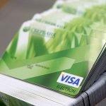 Число карт MasterCard в России опережает число карт Visa